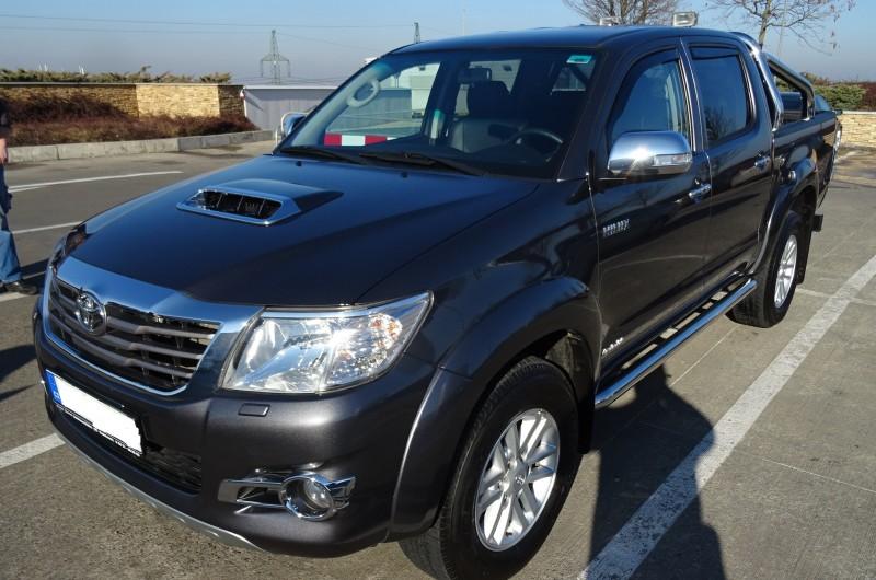 Toyota Hilux 3.0D Double Cab Sol